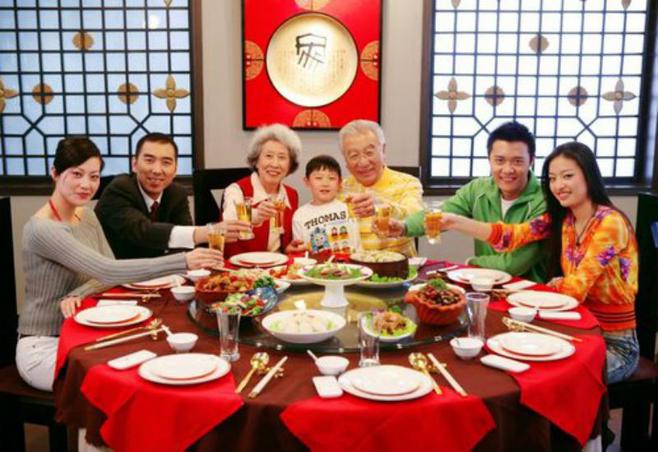 餐桌礼仪 餐桌礼仪英语作文 传统餐桌礼仪